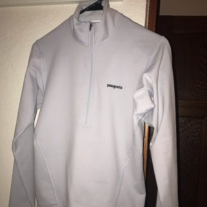 Patagonia size small long sleeve - light grey